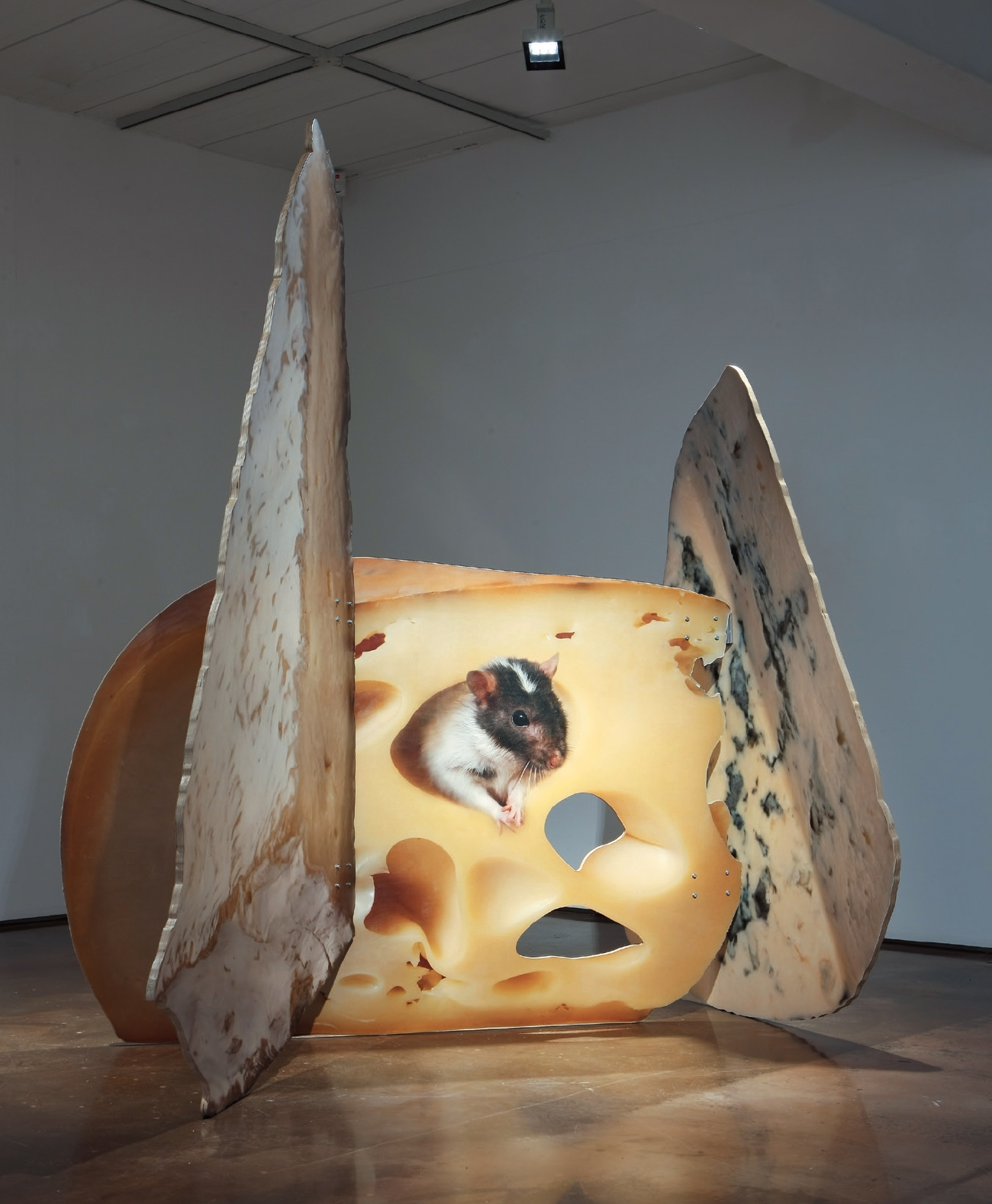 'New Structure 12 Cheese', Print on Wood, 220.5(h)×208.5×157.2cm, 2016