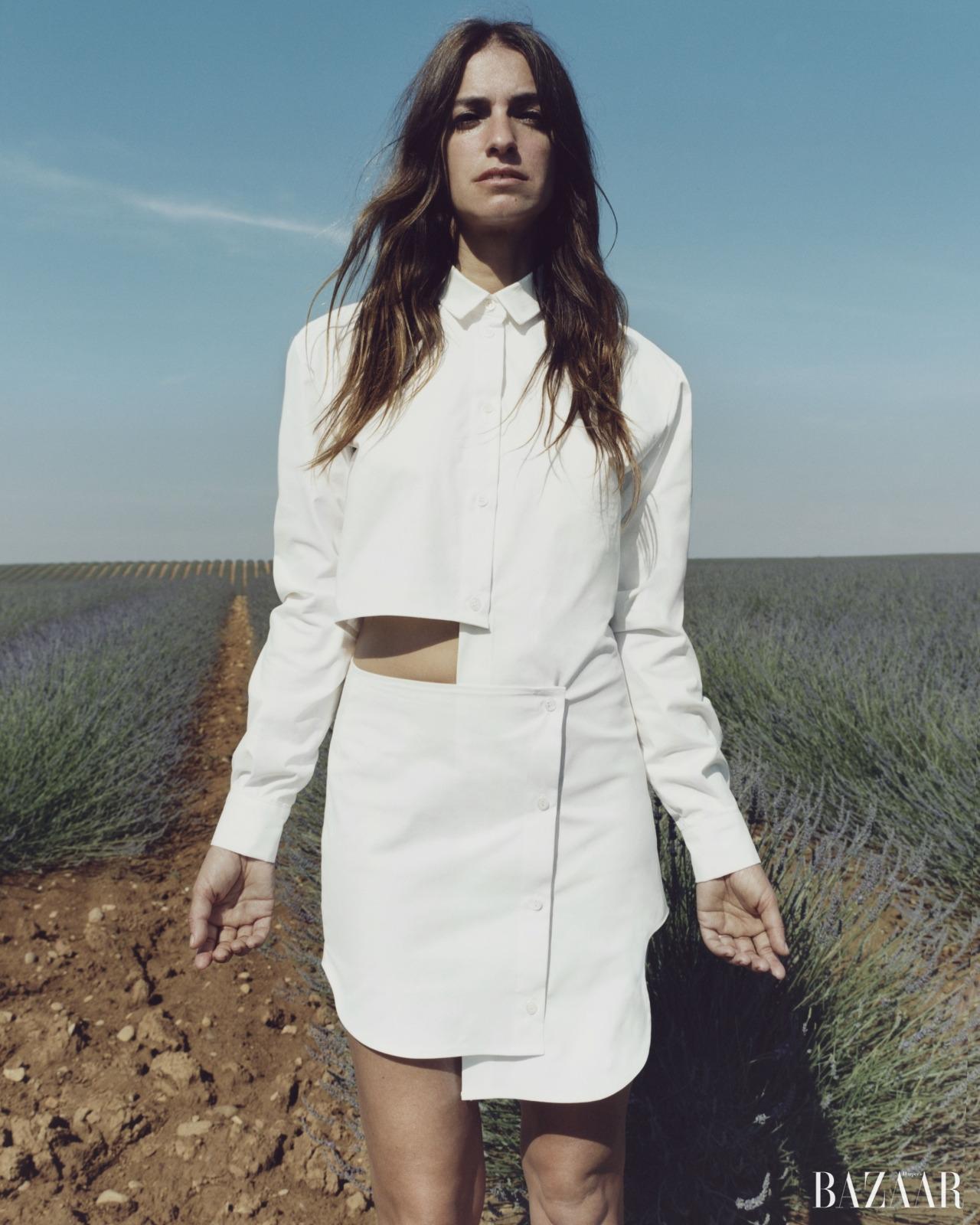<strong>Joana Preiss</strong> 돌아가신어머니에게 헌정하고자 디자인한자크뮈스 2016 리조트 컬렉션의뮤즈로 프랑스 배우 조아나프레이스를 택했다.