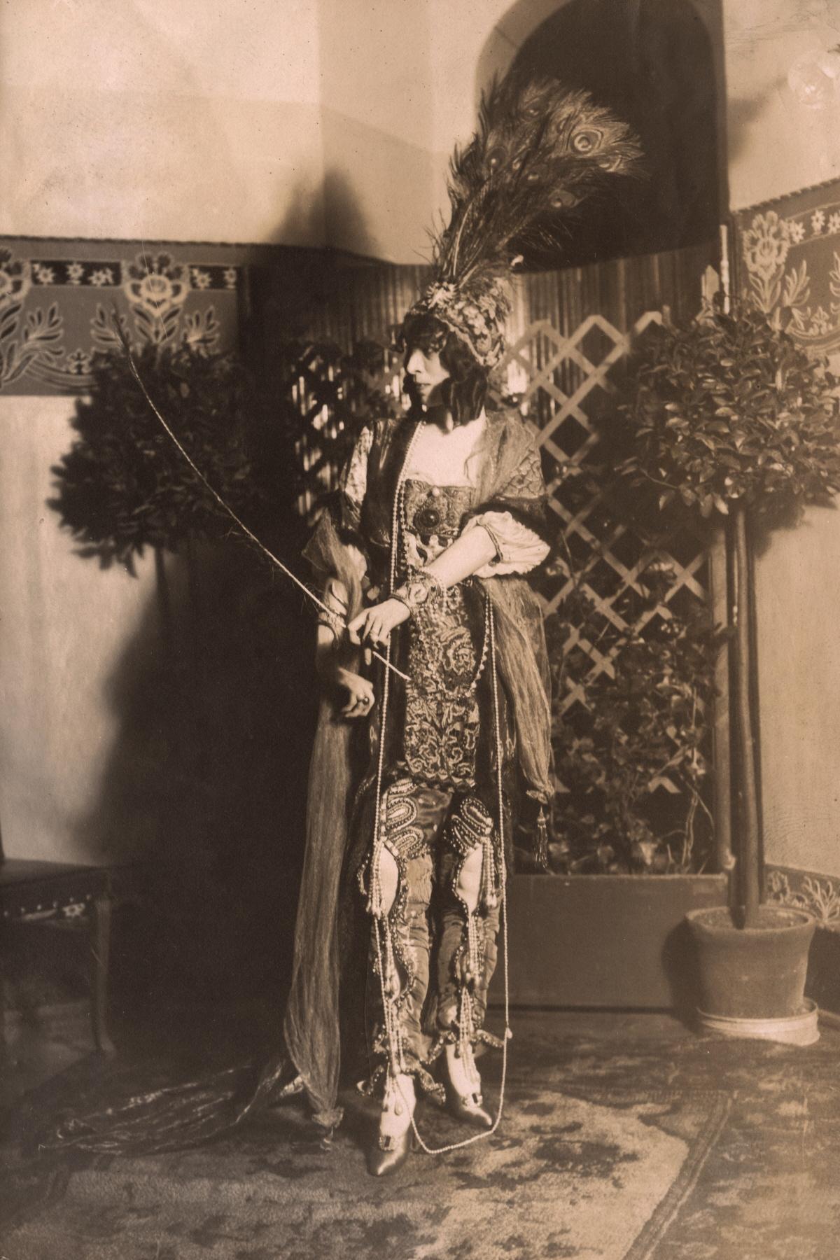 이탈리아 상속녀이자 미술 후원자 루이자 카사티 여후작의 1915년도 모습