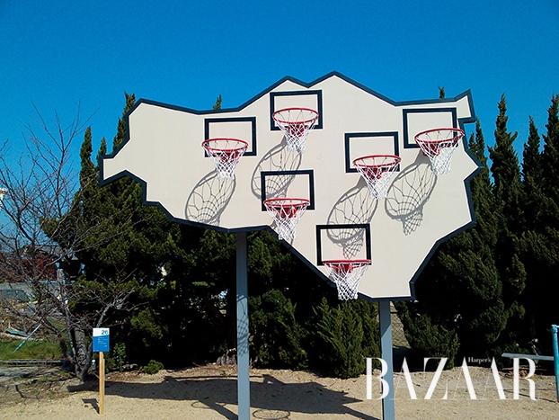 로베 & 폰즈(Llobet & Pons), '승자는 없다─멀티 바스켓볼', 2013, Photo: Kimito Takahashi