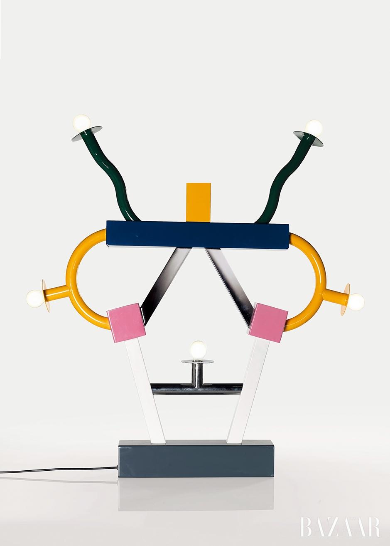 토레 소트사스(Ettore Sottsass), 'Ashoka Lamp', Lacquered and Chromium-plated Metal, 86.5 by 29.5 by 9cm, 1981