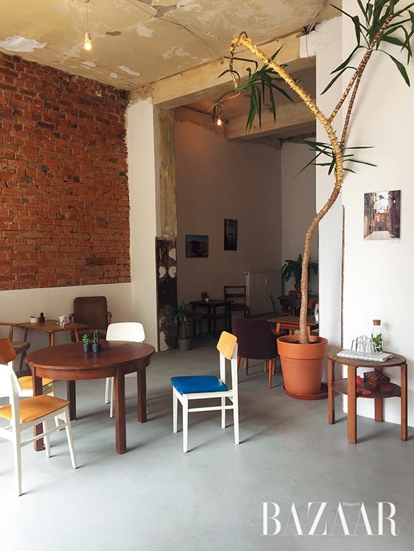 라이프치히 무드로 가득했던 멋진 카페