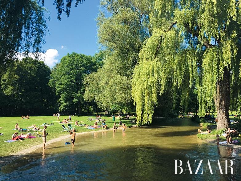 어느 더운 날, 슐라흐텐 호수의 자유로운 풍경