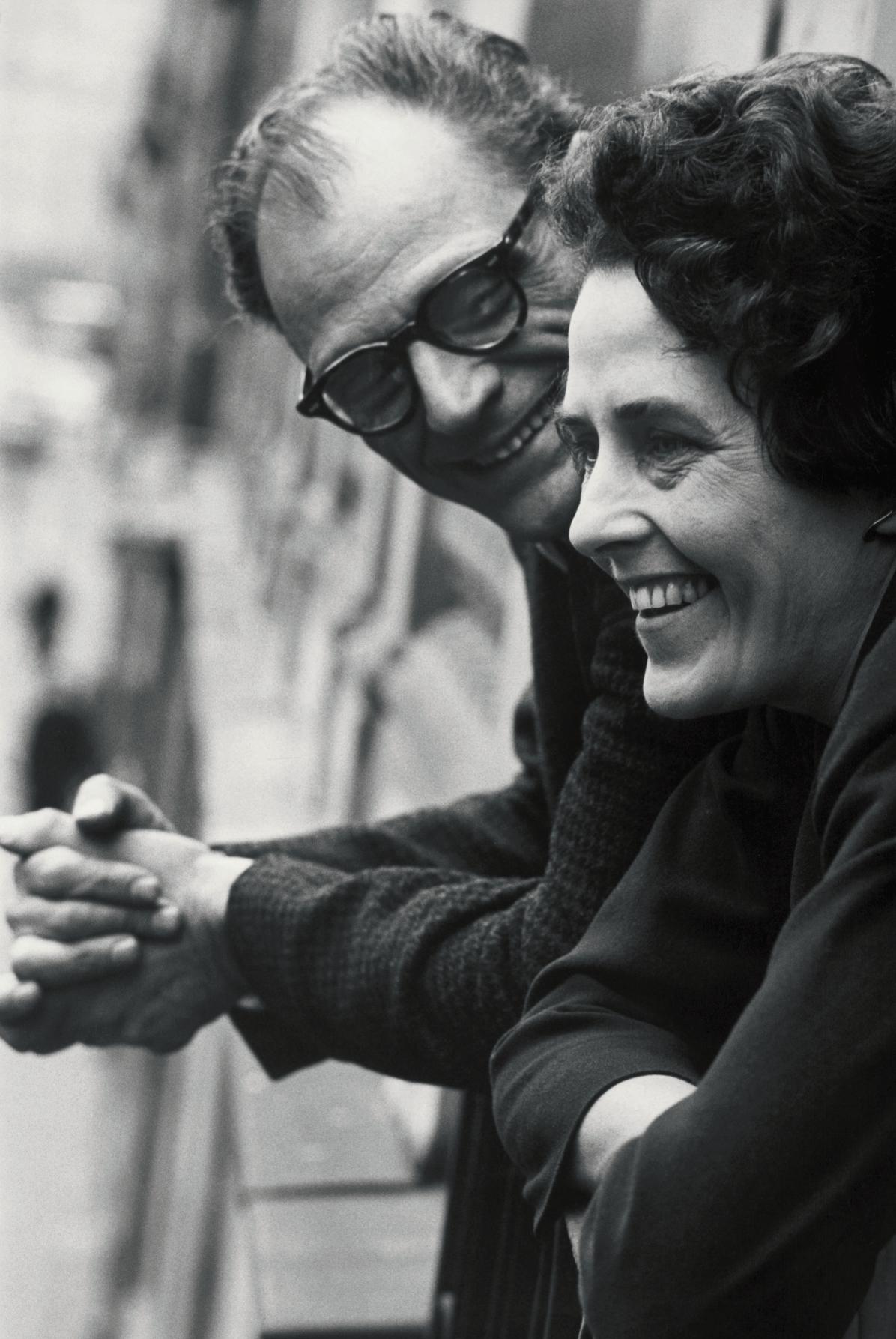 1962년 파리에서 올린 결혼식 날 잉게 모라스와 남편 아서 밀러