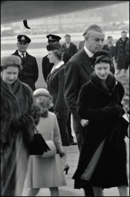 1958년의 영국 여왕과 앤 공주 그리고 마가렛 공주