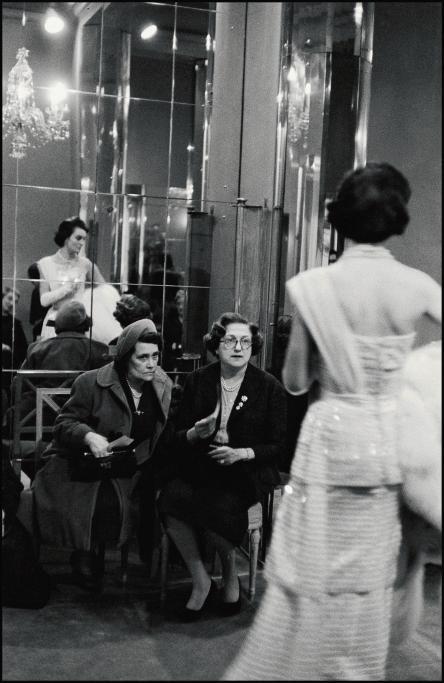 1958년 런던 사보이호텔에서 열린 데뷰탕트들의 프레젠테이션