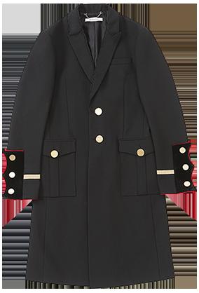 금장 단추와 골드 파이핑이 우아한 코트는 가격 미정으로 Givenchy