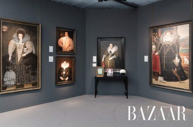 고대부터 현대미술까지 다루는 프리즈 마스터스. 튜더, 스튜어트, 북유럽 왕가의 초상화를 전문적으로 취급하는 웨이스(Weiss) 갤러리 부스에서 'A Fashionable Likeness'라는 제목으로 1580~1625년의 작품을 모아 소개하고 있다