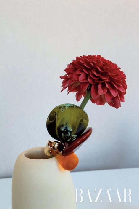 이름처럼 서정적인 'Moss' 컬렉션의 반지들