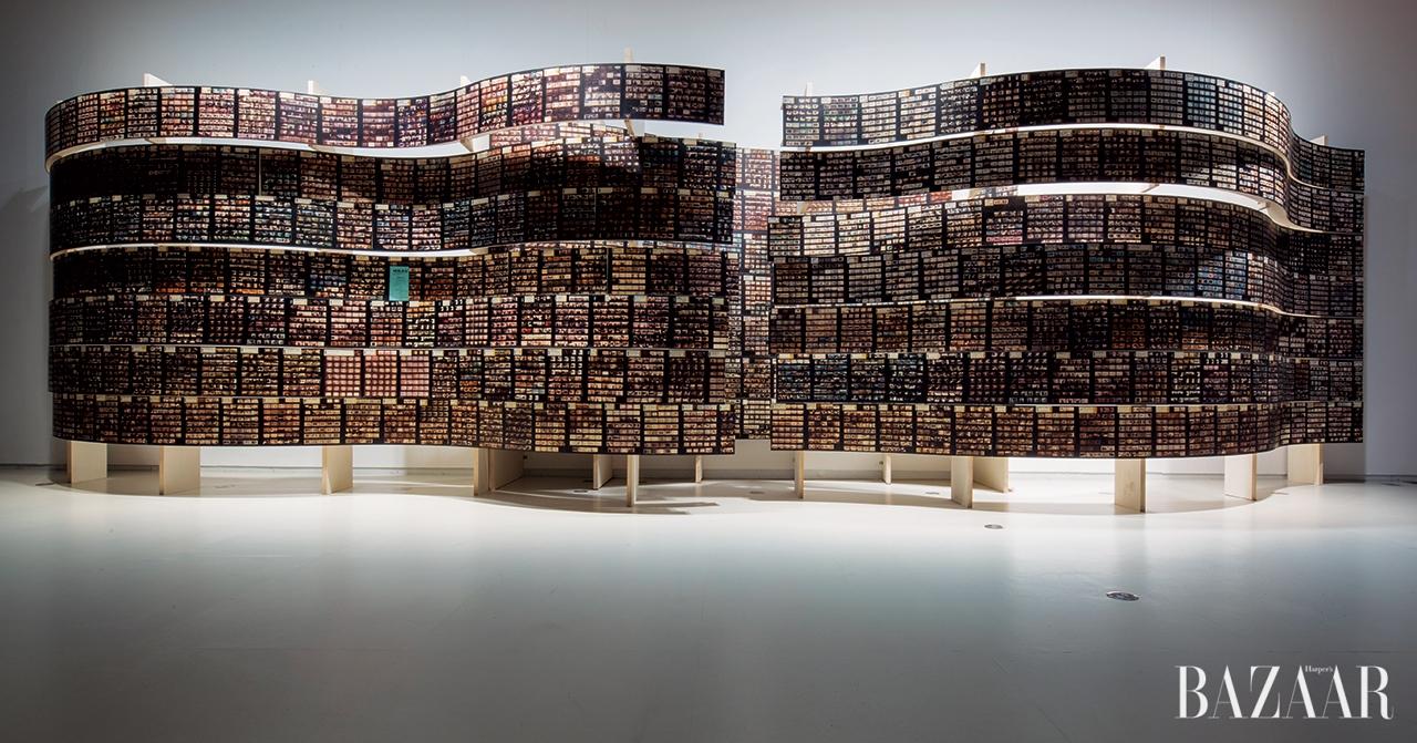 사비 아메르(Sabih Ahmed)와 하빅 추엔(Ha Bik Chuen)의 설치작품 'Striated Light'