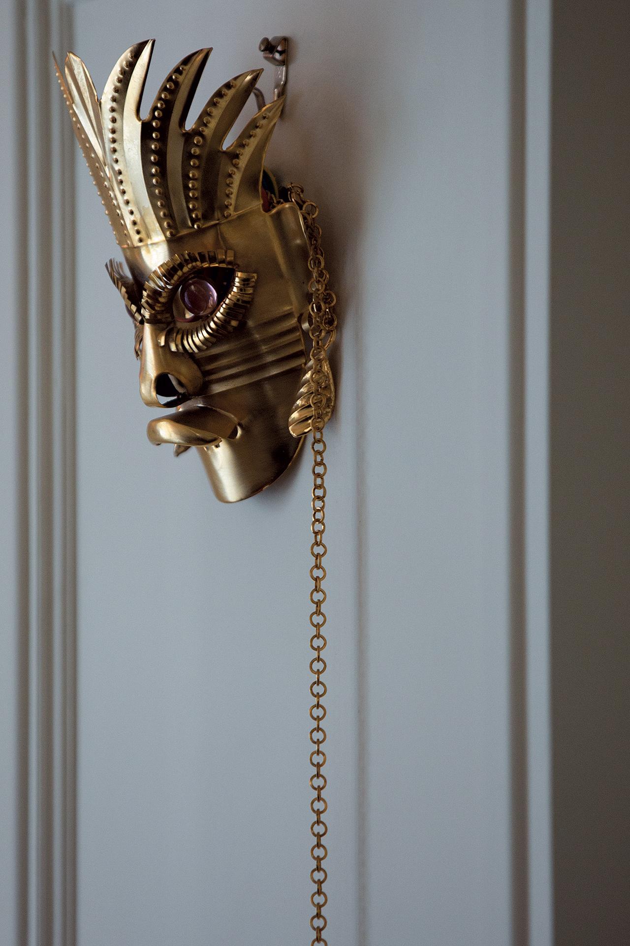 영화 <아이즈 와이드 셧>에서 영감을 받아 만든 마스크