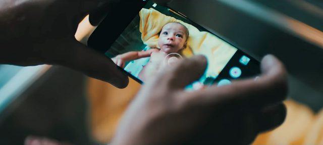 한 세대에서는 불가능했던 것이 다음 세대에서는 평범해진다는 의미를 담은 영상 'New Normal'
