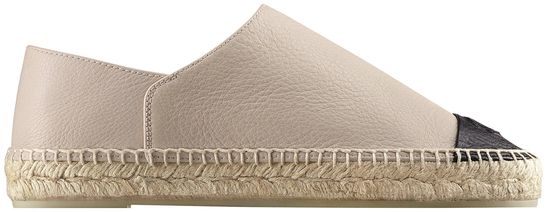가죽 소재의 에스파드리유는 67만8천원으로 Chanel 제품.