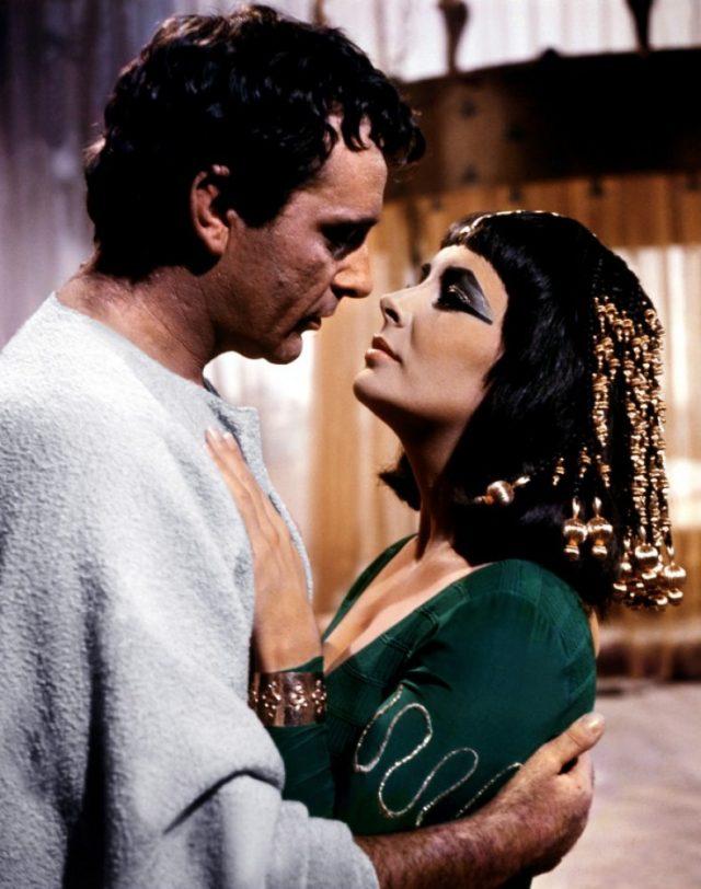 일곱 명의 남편 중 유일하게 두 번 결혼한 남자. 리처드 버튼과 함께 출연한 영화 '클레오파트라