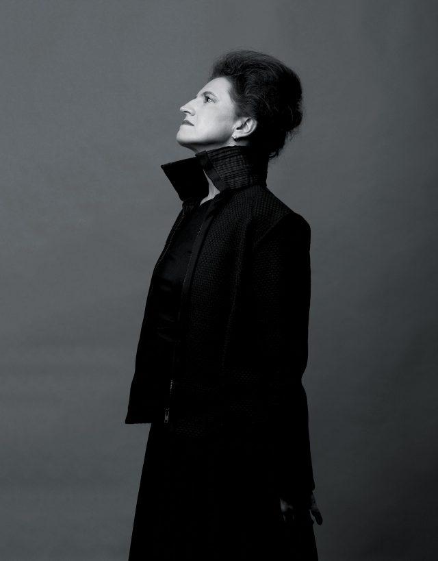 까르띠에 현대미술재단 컬렉션 디렉터 그라치아 콰로니
