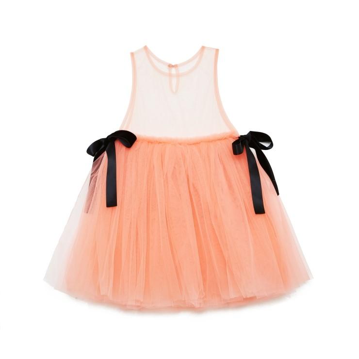 솜사탕 같은 컬러, 샤, 리본의 조합이 사랑스러운 드레스는 14만8천원으로 Love. 제품.