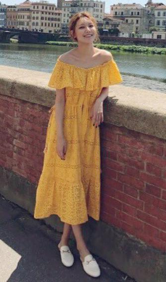 이탈리아 플로렌스에서도 옐로 드레스를 선택한 수영