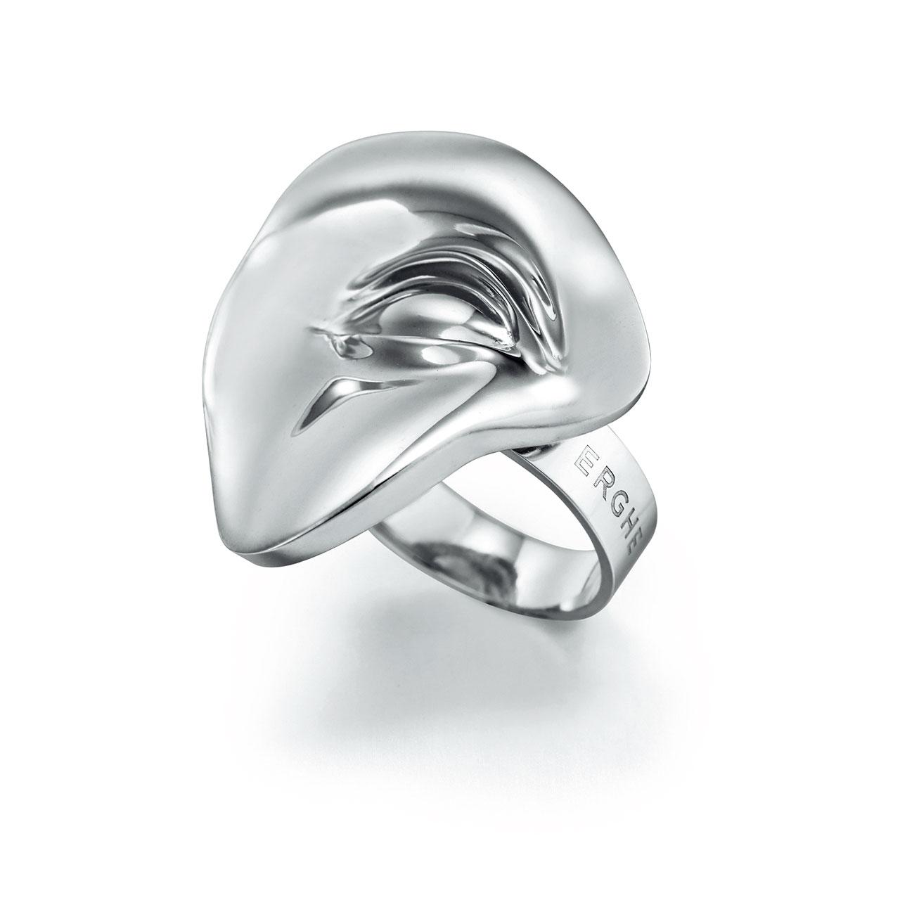 아티스틱한 형태의 반지는 15만8천원으로 Erghe