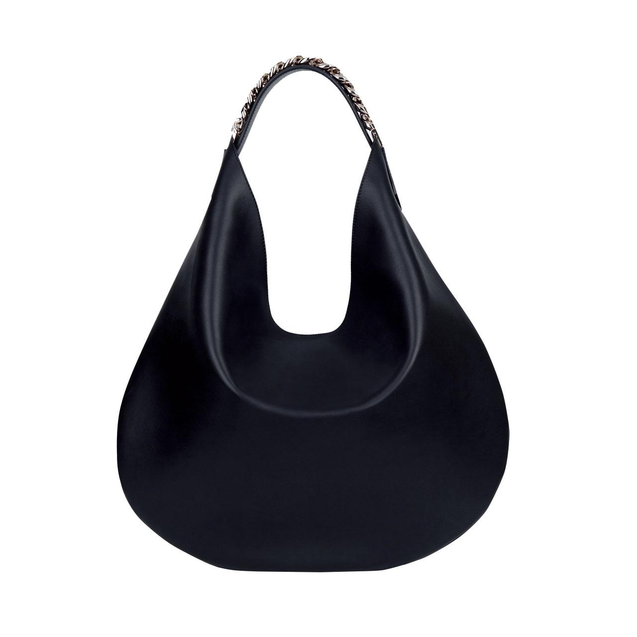 체인이 스트랩에 장식된 호보 백은 가격 미정으로 Givenchy by Riccardo Tisci
