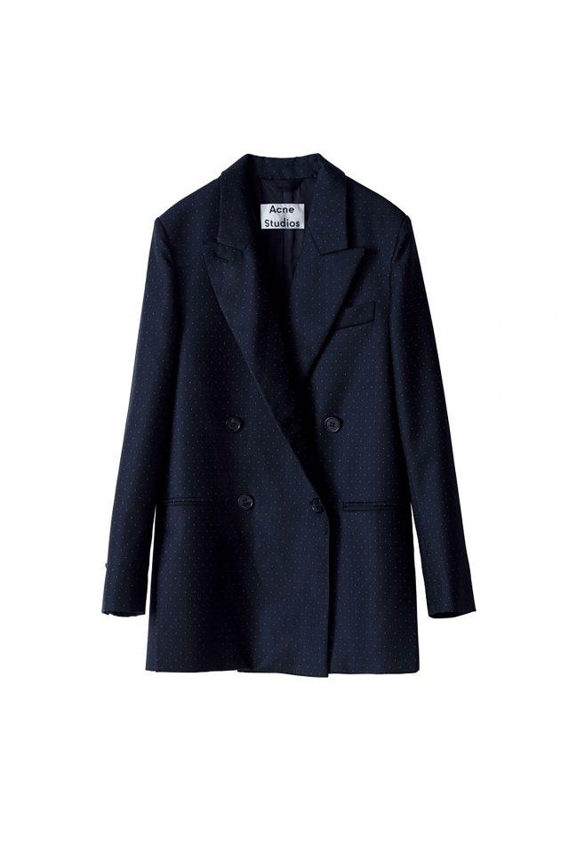 도트 패턴이 가미된 더블 브레스트 재킷은 가격 미정으로 Acne Studios