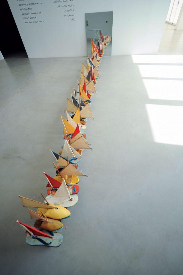 라파엘 오르테가(Rafael Ortega)와 컬래버레이션한 프랜시스 알리스(Francis Alÿs)의  전시 전경. Image courtesy of Sharjah Art Foundation