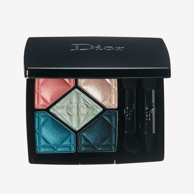 Dior 5 꿀뢰르 하이 피델리티 컬러 & 이펙트 아이섀도우 팔레트, 357 일렉트리파이 8만5천원.