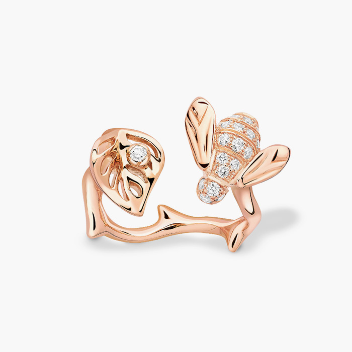꿀벌, 나뭇잎 모양의 로즈 디올 프리 카텔란(Rose Dior Pré Catelan)컬렉션 골드 링은 Dior Fine Jewelry 제품.