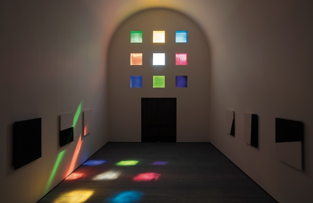 'Austin', 2015(Interior, facing south), Artist-designed building with installation of colored glass windows, black and white marble panels, and redwood totem, 60×73×26 ft. 4 in. ©Ellsworth Kelly Foundation, Photo courtesy Blanton Museum of Art, The University of Texas at Austin
