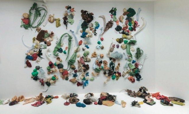 구겐하임 미술관에 전시되었던 구 더신의'Plastic Pieces–287'(1983-85).