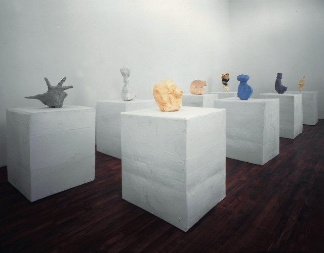 'Franz West: Investigations of American Art' 전시 전경.