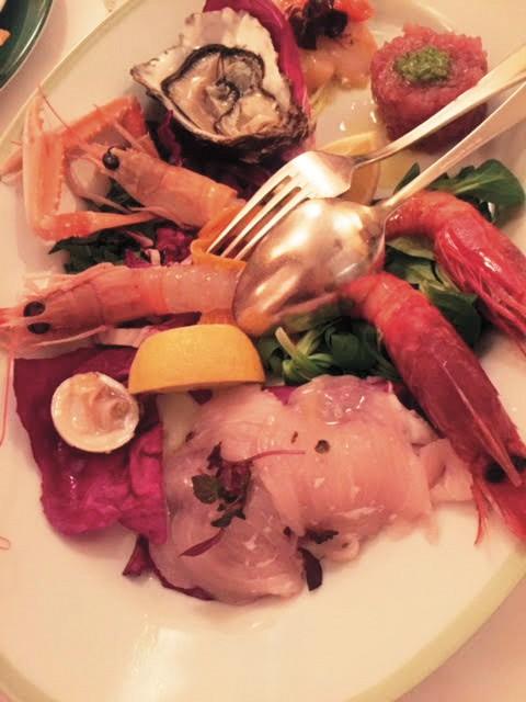 @Al Cuoco Di Bordo밀라노의 소문난 해산물 요리 전문 레스토랑.