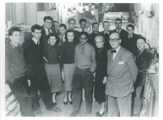 아틀리에르 코르뷔지에의아름다운 공간(위)과 사람들(아래). 김중업과 발크리시나 도시는 같은 시기에 근무했다. ©Fondation Le Corbusier