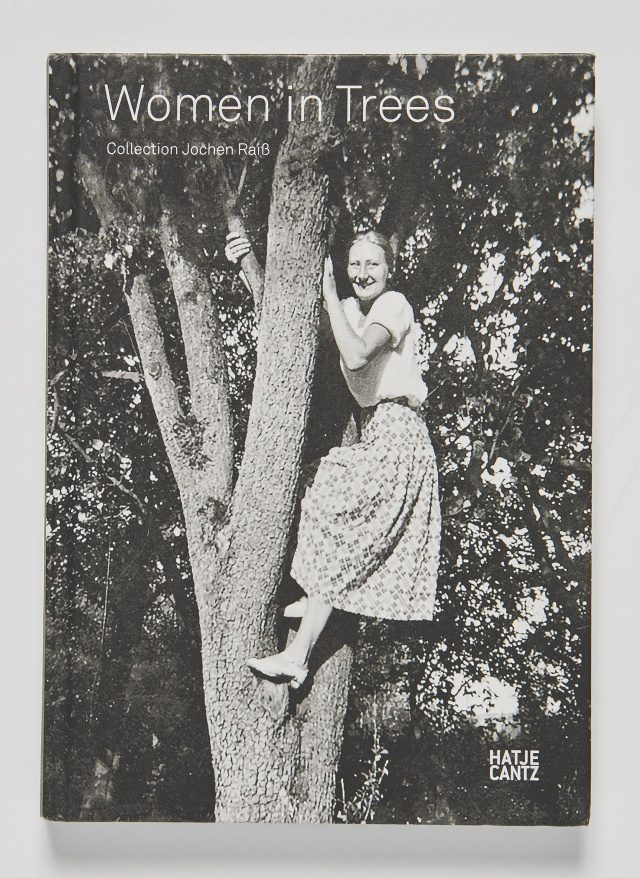 여자와 나무에 대한 이야기를 담은 사진 책 'Women in Trees'