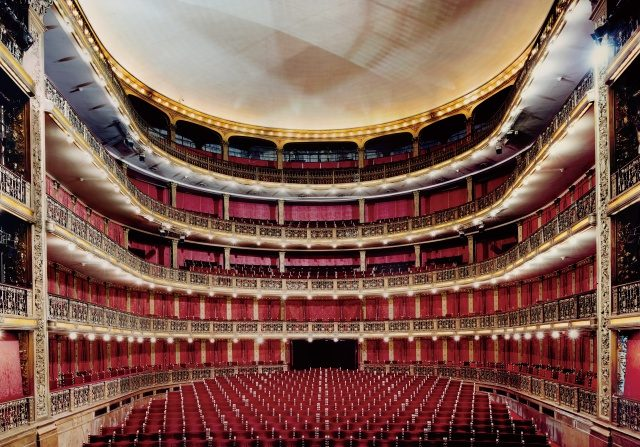 칸디다 회퍼, 'Teatro Cervantes Buenos Aires I 2006', C-Print, 184 × 244cm