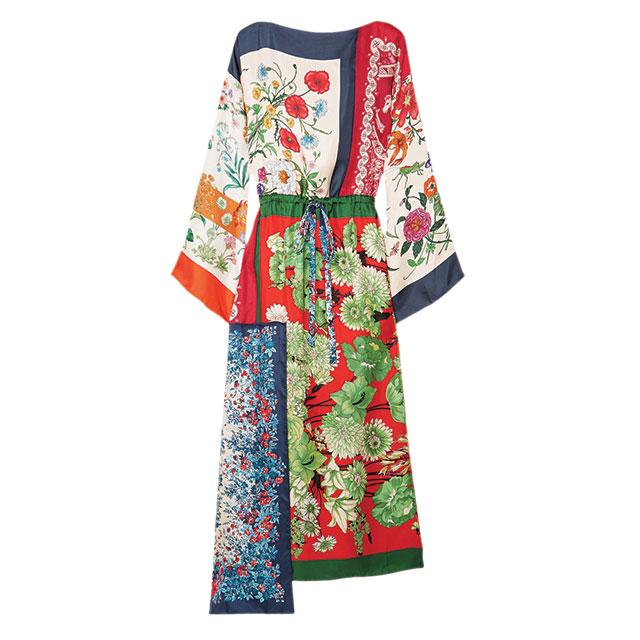 여러 장의 스카프를 이어 붙인 플라워 드레스는 580만원으로 Gucci