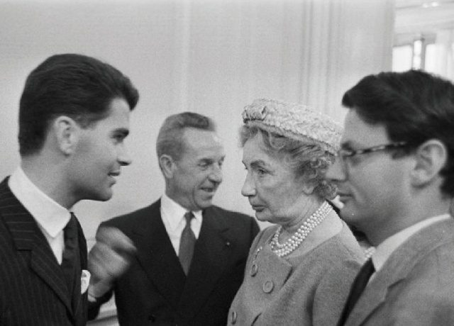 1958년 칼 라거펠트와 당시 '바자' 에디터였던 카멜 스노와 리처드 애버던.