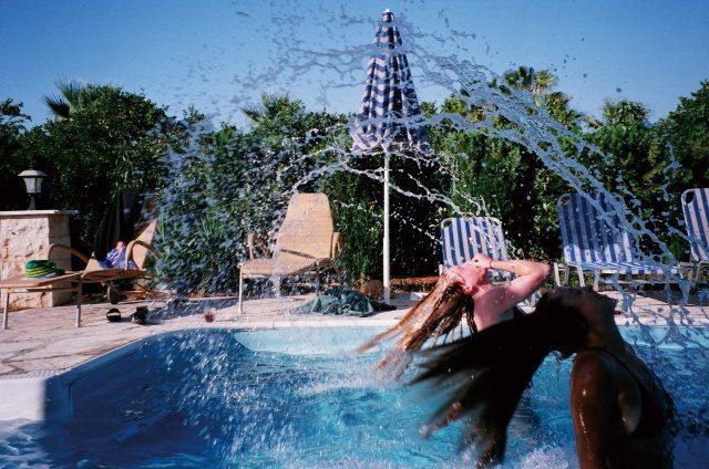 수영을 좋아해요. 사이프러스에서 휴가를 즐겼죠.