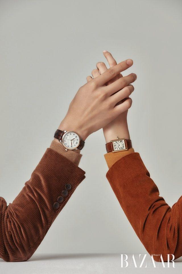 (왼쪽부터) 남자 모델이 착용한 시계는 528만원으로 Montblanc,재킷은 65만9천원, 니트는 38만9천원으로 모두 Polo Ralph Lauren.여자 모델이 착용한 시계는 1천100만원대로 Cartier, 재킷은 12만9천원으로 & Other Stories, 니트는 55만8천원으로 Vanessabruno.