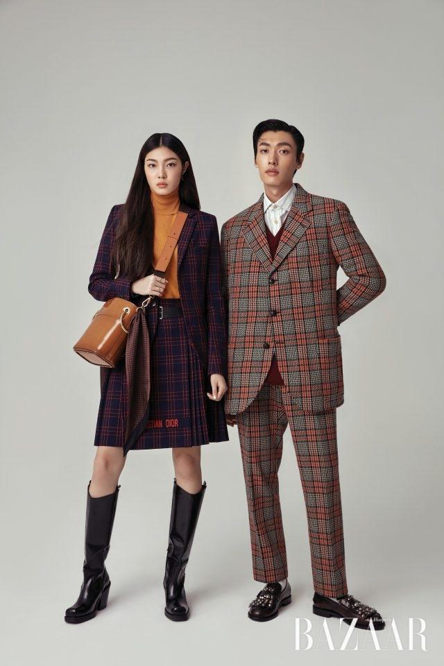 (왼쪽부터) 여자 모델이 착용한체크 재킷, 플리츠 스커트, 귀고리는 모두 Dior, 터틀넥 니트는 55만8천원으로 Vanessabruno, 버킷 백은 Chloé, 백의 핸들을 감싼 스카프는 Mulberry,반지는 Dries Van Noten.남자 모델이 착용한 체크 재킷은360만원, 니트 베스트는 138만원,셔츠는 114만원, 팬츠는119만원으로 모두 Gucci. /여자 모델이 착용한 롱 부츠는 19만9천원으로 H&M Studio, 남자 모델이 착용한 스터드 로퍼는 128만원으로 Burberry.