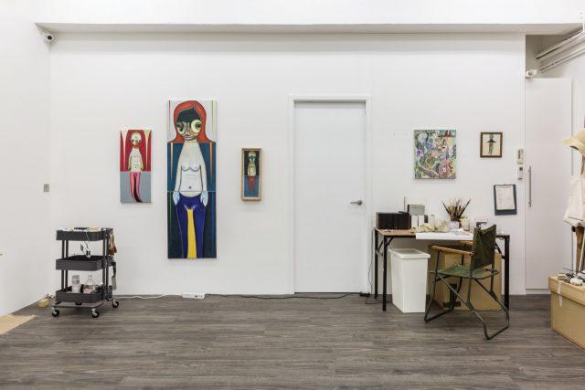 (위, 아래) Views of Izumi Kato's solo exhibitionat Red Brick Art Museum, Beijing, 2018.Photo: Yu Xing & Li Yangⓒ2018 Izumi Kato. Courtesy of Red Brick Art Museum, the Artist and Perrotin.