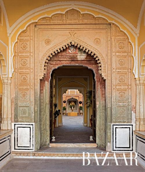 사모데 팔라스 호텔의 아름다운 문.