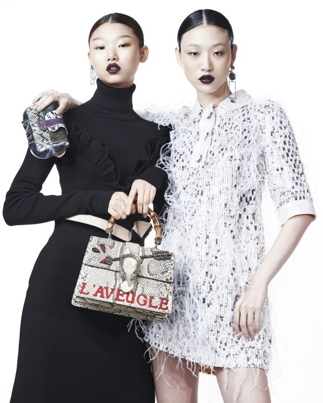 (왼쪽부터) 러플 터틀넥, 미디스커트는 모두 Dior, 귀고리는 10만원으로 Numbering, 파이톤 소재 토트백은 6백1만5천원으로 Gucci 제품. 깃털과 스팽클 장식의 미니 드레스는 1천3백50만원으로 Michael Kors Collection, 드롭 귀고리는 14만원으로 Numbering, 파이톤 소재 바게트 백은 2백99만원으로 Fendi 제품.