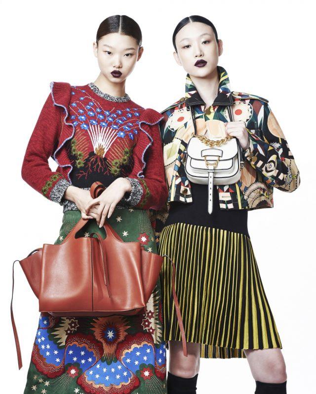 (왼쪽부터) 러플 니트 톱은 3백30만원, 별들이 수놓인 스웨이드 스커트는 가격 미정으로 모두 Valentino, 토트백은 Céline 제품. 그래픽 패턴 재킷, 스트라이프 니트 스커트, 부츠는 모두 Givenchy by Riccardo Tisci, 숄더백은 2백20만원대로 Miu Miu 제품.