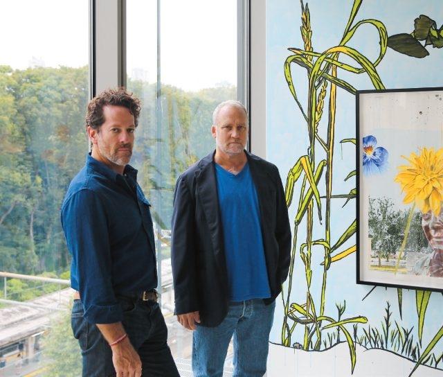 도쿄 갤러리 개관전인 데이브 뮬러의 'Sublime Memory Garden'(2014)에서 팀 블럼과 제프 포