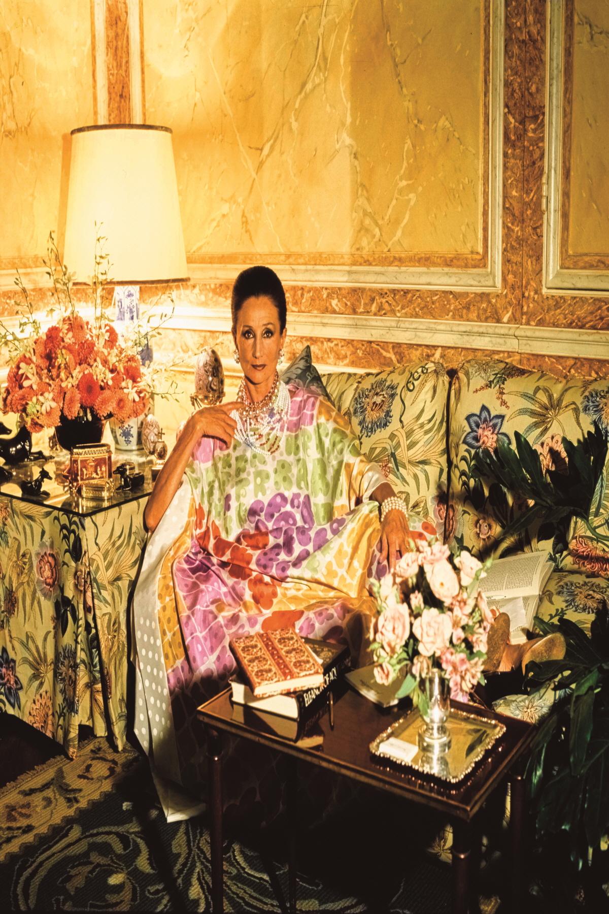 디자이너로 활동하는 자클린 드 보몽 자작부인의 1984년도 모습