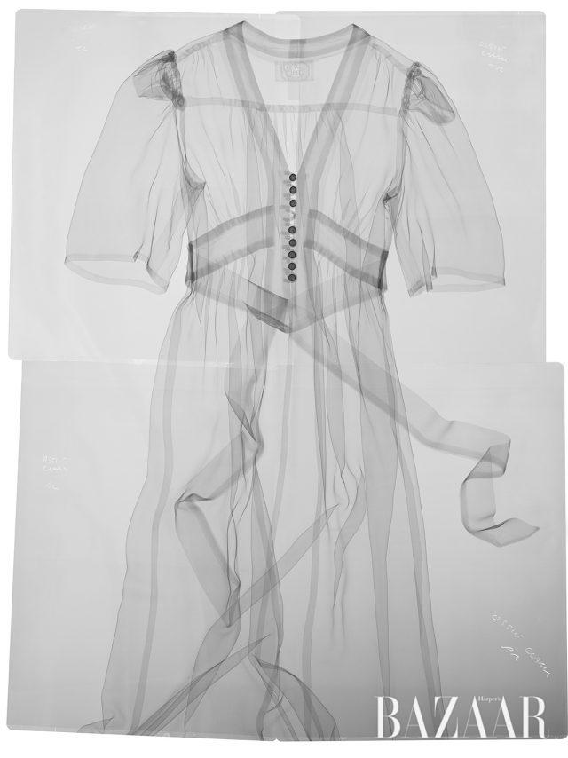 줄리 마이어슨의 이야기 속 실제 오시 클라크 드레스