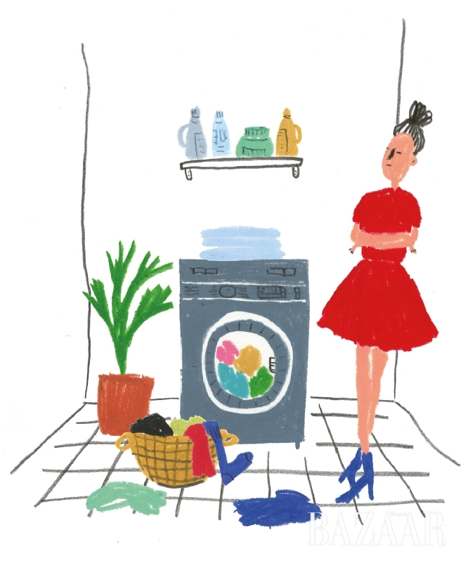 나의 소중한 옷들을 오래오래 유지하고 싶다면 쉴 새 없이 세탁소를 들락날락하는 것만이 능사가 아니다. 그래서 나눠본, <바자> 패션 에디터들의 소소하고 깨알 같은 세탁 팁!