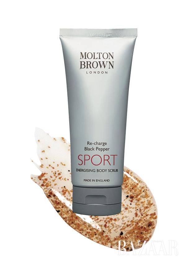 1.Molton Brown 리 차지 블랙페퍼 스포츠 에너자이징 바디 스크럽 가격 미정.