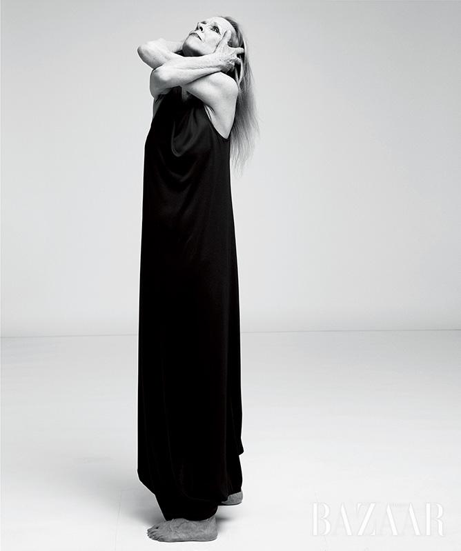 철학적이고도 시적인 춤으로 현대무용사의 누벨 당스를 이끈 무용가 카롤린 칼송이 말하는 삶과 예술에 대하여.