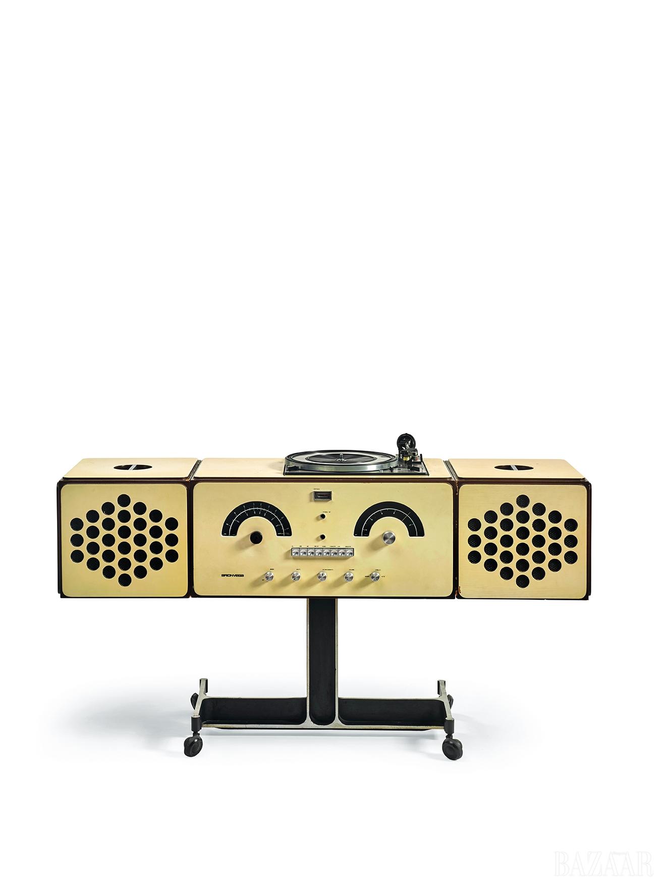 피에르 지아코모 카스티글리오니와 아킬레 카스티글리오니(Pier Giacomo and Achille Castiglioni), 'Brionvega Radiophonograph, Model No RR 126', Wood, Laminate, Polycarbonate, Painted Aluminium, 63 by 125 by 36cm, 1966